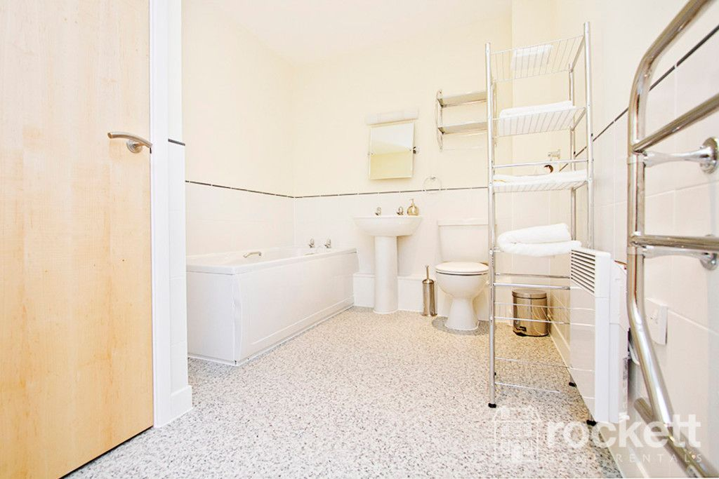 2 bed flat to rent in Brunswick Court, Newcastle Under Lyme  - Property Image 8