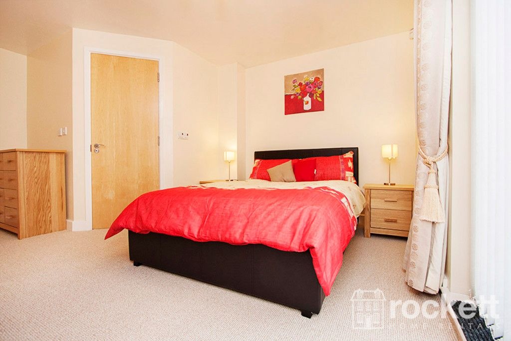 3 bed flat to rent in Newcastle Under Lyme  - Property Image 12