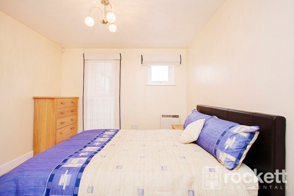 3 bed flat to rent in Newcastle Under Lyme  - Property Image 13