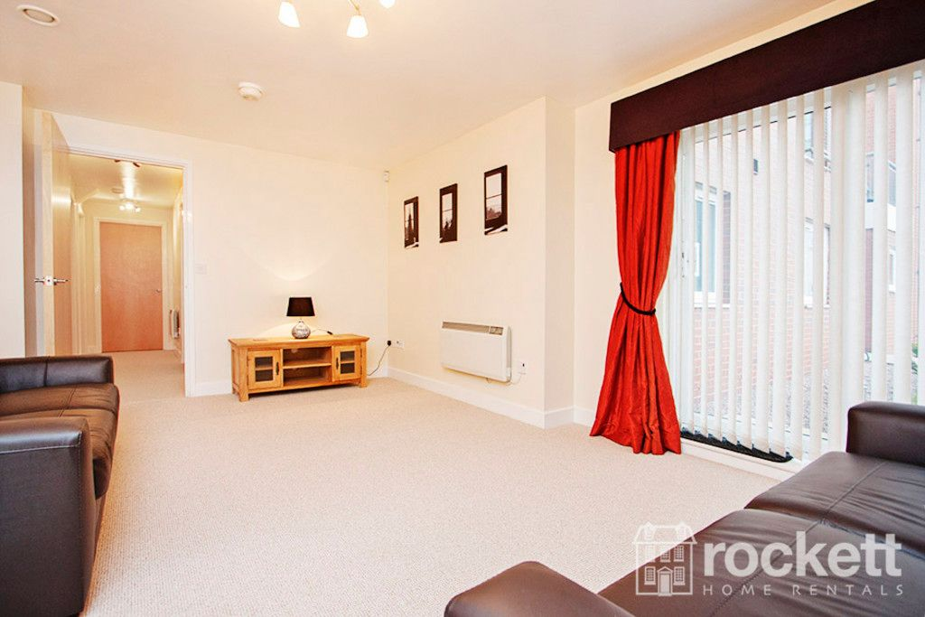 3 bed flat to rent in Newcastle Under Lyme  - Property Image 5