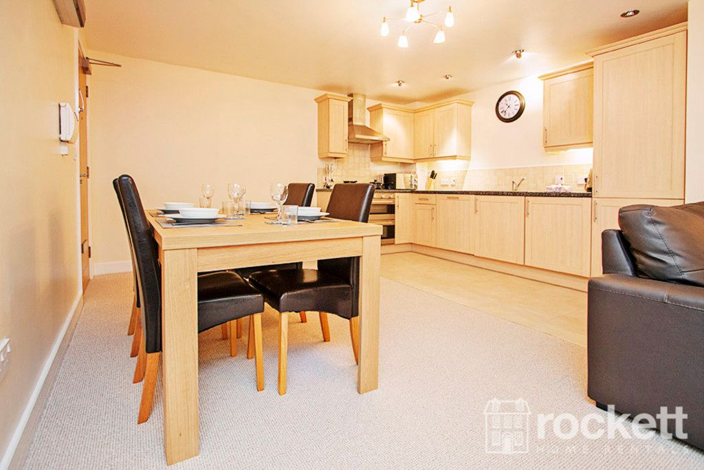 3 bed flat to rent in Newcastle Under Lyme  - Property Image 6