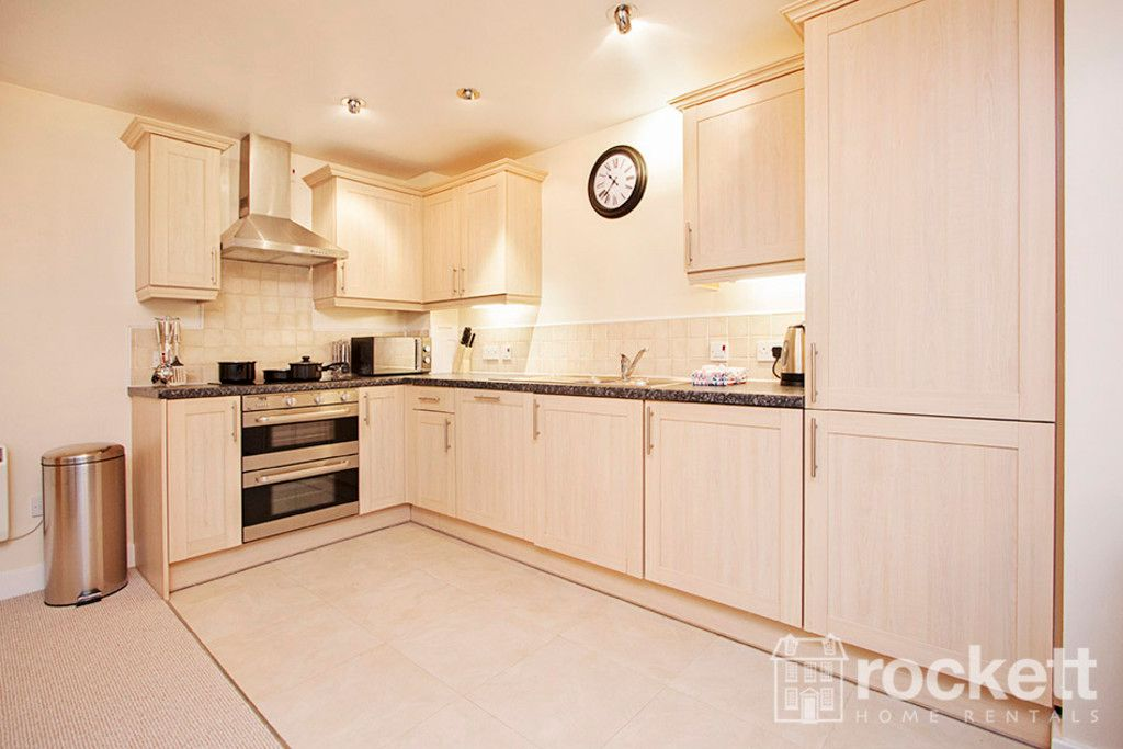 3 bed flat to rent in Newcastle Under Lyme  - Property Image 8