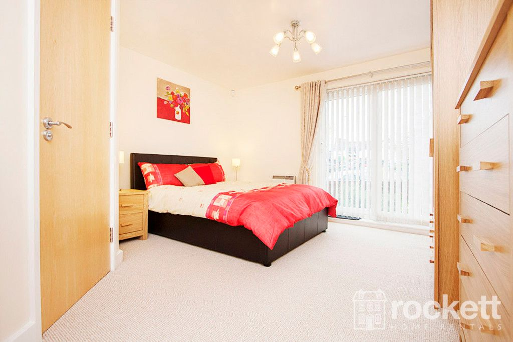 3 bed flat to rent in Newcastle Under Lyme  - Property Image 10