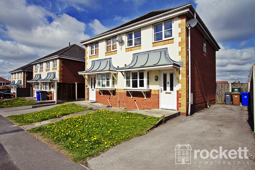 2 bed House to rent in Wood Street, Longton, ST3