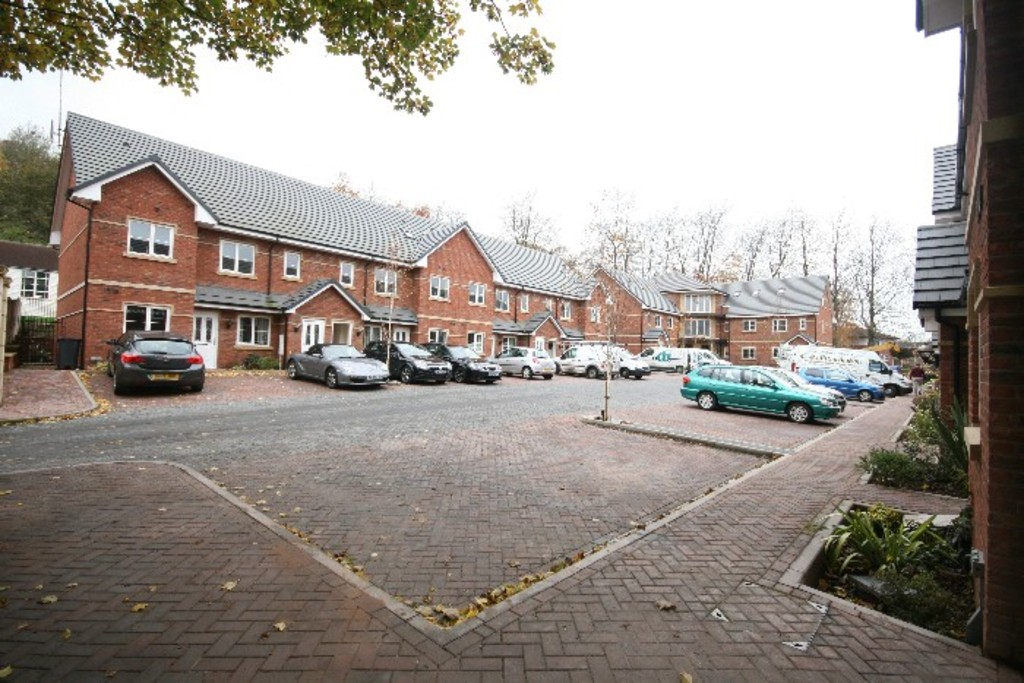 2 bed Flat to rent in Kingsley Hall, Newcastle Under Lyme, ST5