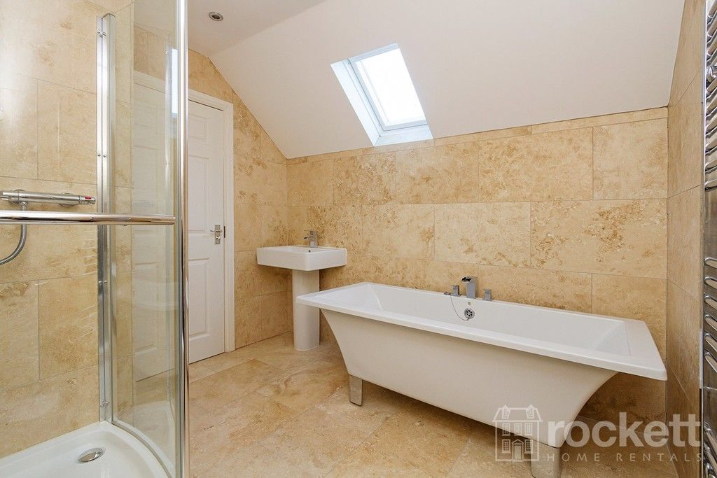 2 bed flat to rent in Kingsley Hall, Newcastle Under Lyme  - Property Image 11