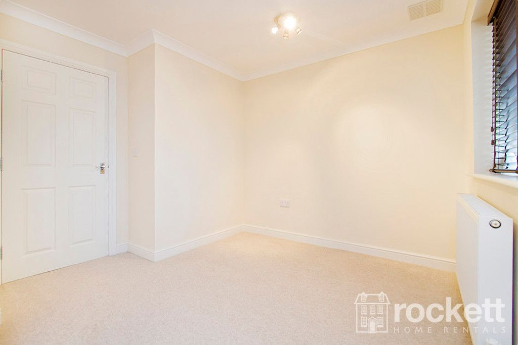 2 bed flat to rent in Kingsley Hall, Newcastle Under Lyme  - Property Image 18