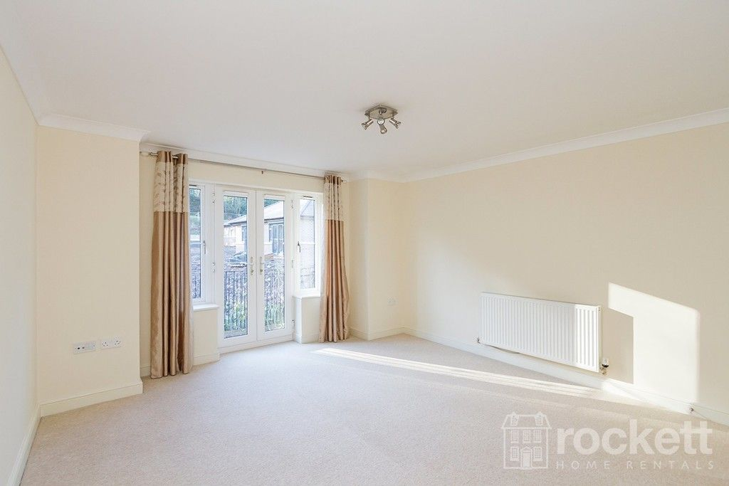 2 bed flat to rent in Kingsley Hall, Newcastle Under Lyme  - Property Image 29