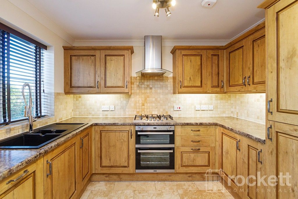 2 bed flat to rent in Kingsley Hall, Newcastle Under Lyme  - Property Image 4