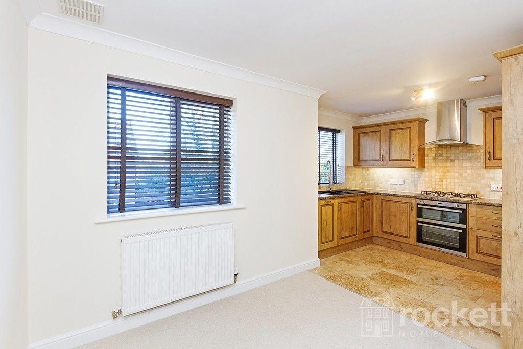 2 bed flat to rent in Kingsley Hall, Newcastle Under Lyme  - Property Image 7