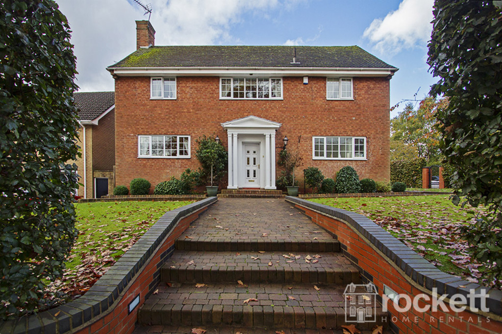 5 bed house to rent in Newcastle Under Lyme  - Property Image 1