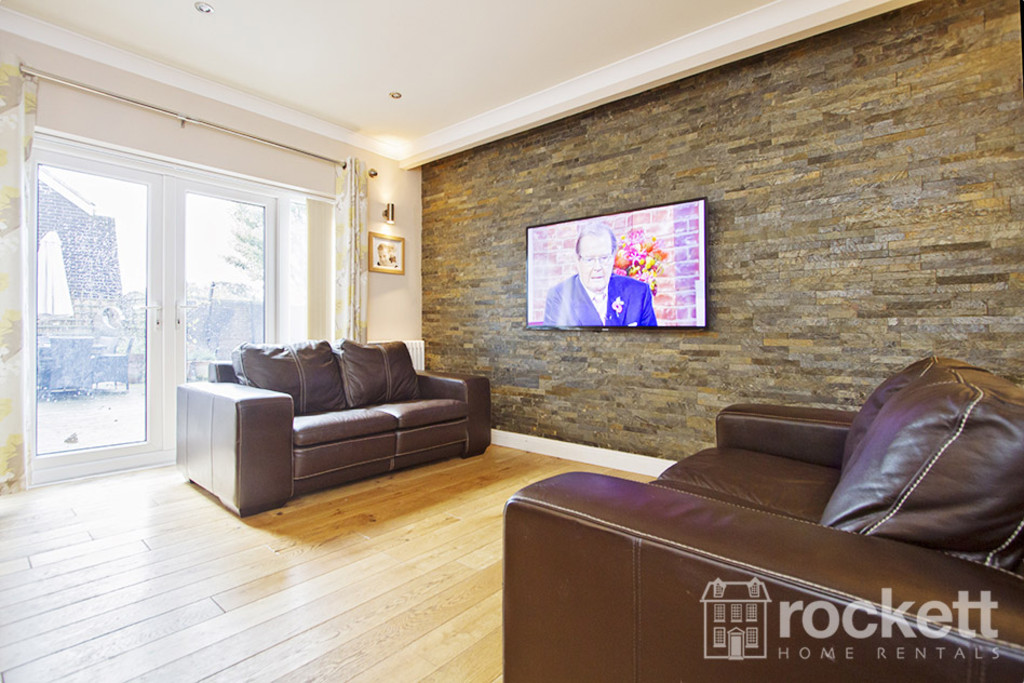 5 bed house to rent in Newcastle Under Lyme  - Property Image 11