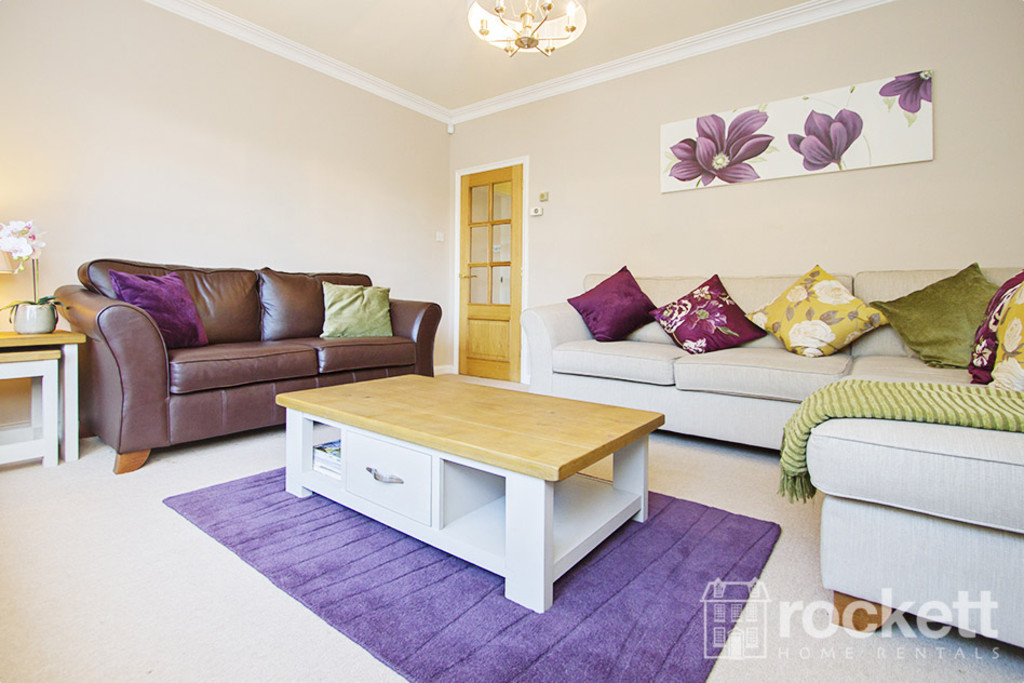 5 bed house to rent in Newcastle Under Lyme  - Property Image 12