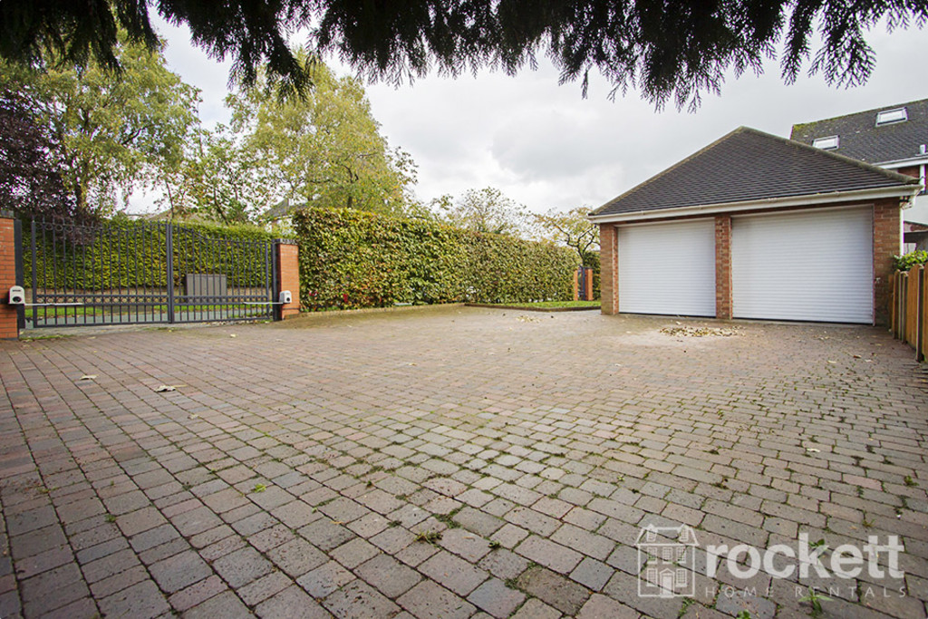 5 bed house to rent in Newcastle Under Lyme  - Property Image 26