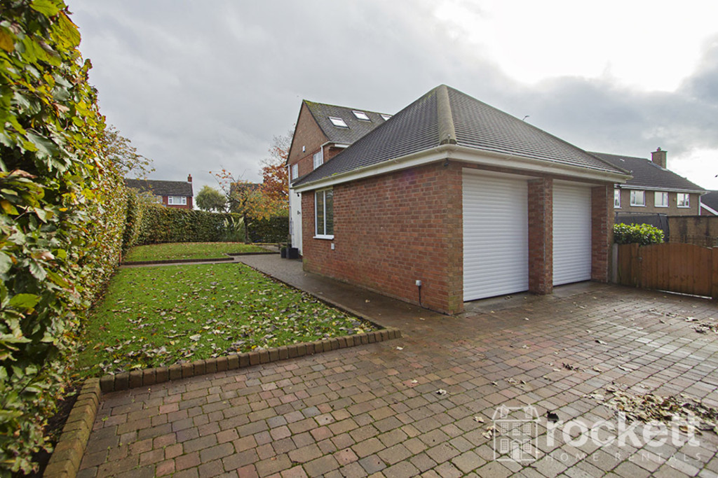 5 bed house to rent in Newcastle Under Lyme  - Property Image 28
