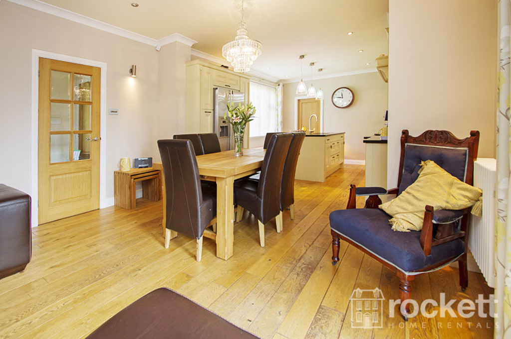 5 bed house to rent in Newcastle Under Lyme  - Property Image 9
