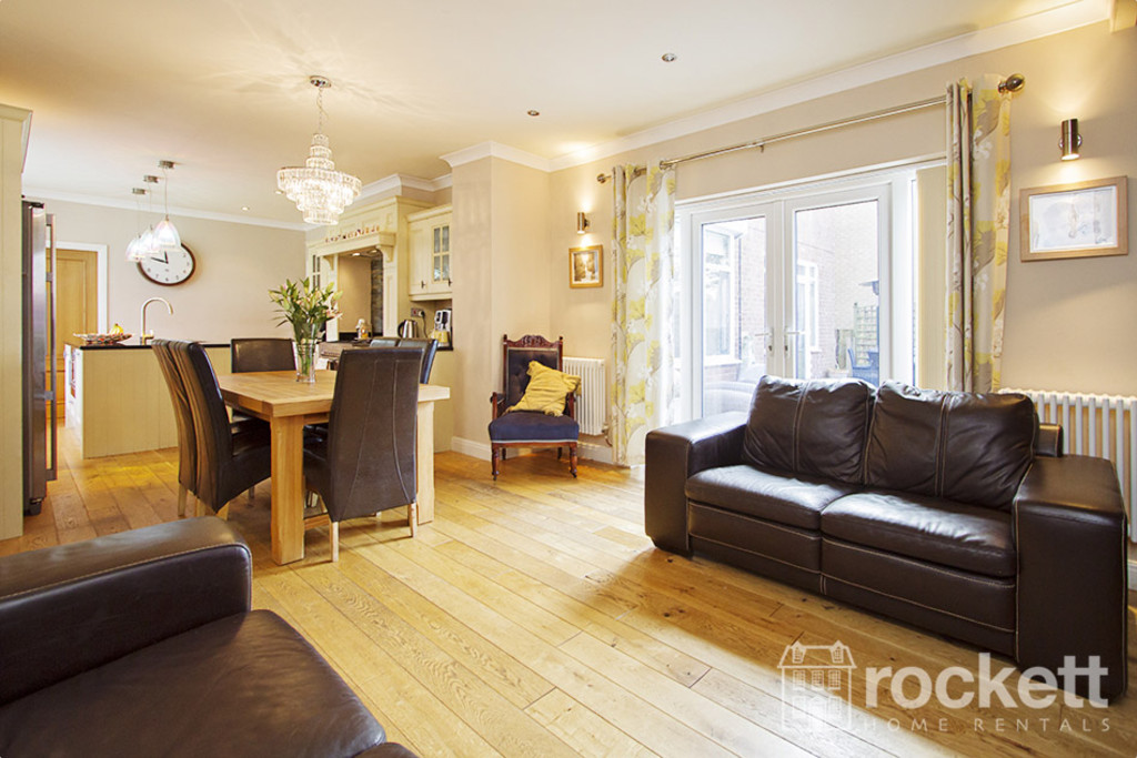 5 bed house to rent in Newcastle Under Lyme  - Property Image 10