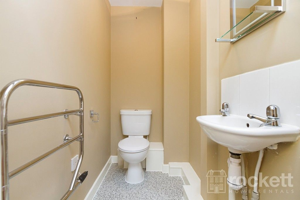 2 bed flat to rent in Newcastle Under Lyme  - Property Image 26