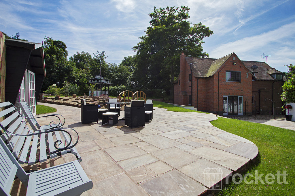 4 bed house to rent in Newcastle Under Lyme  - Property Image 5