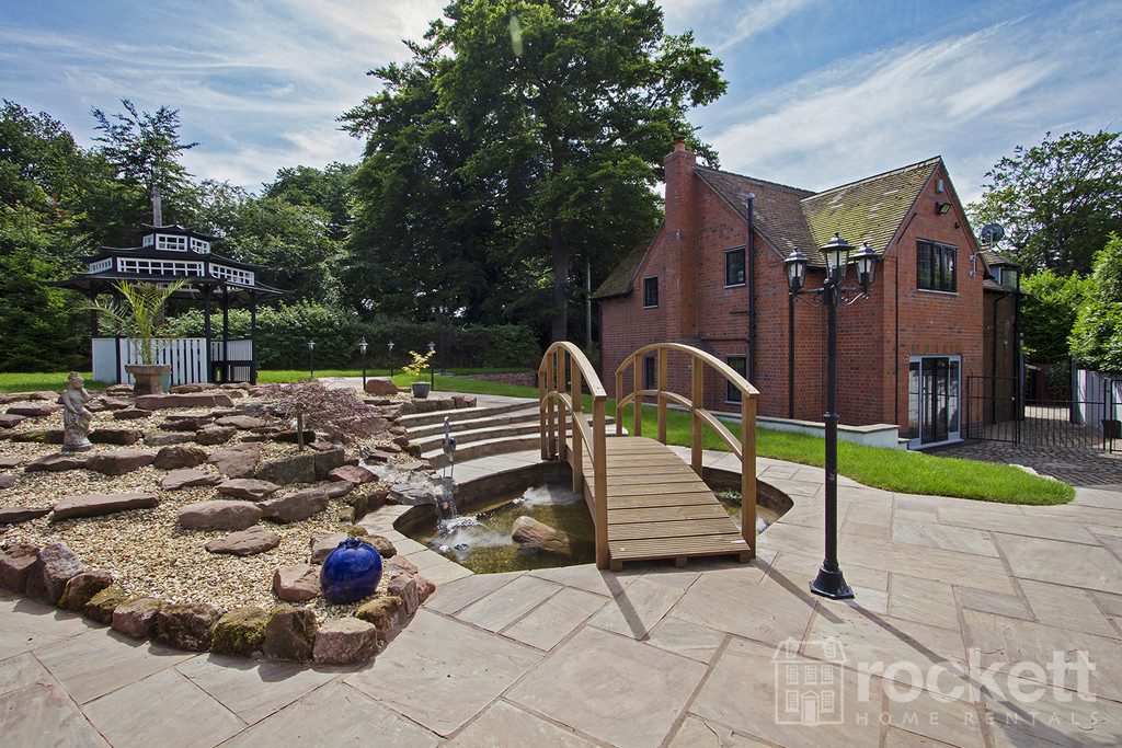 4 bed house to rent in Newcastle Under Lyme  - Property Image 6