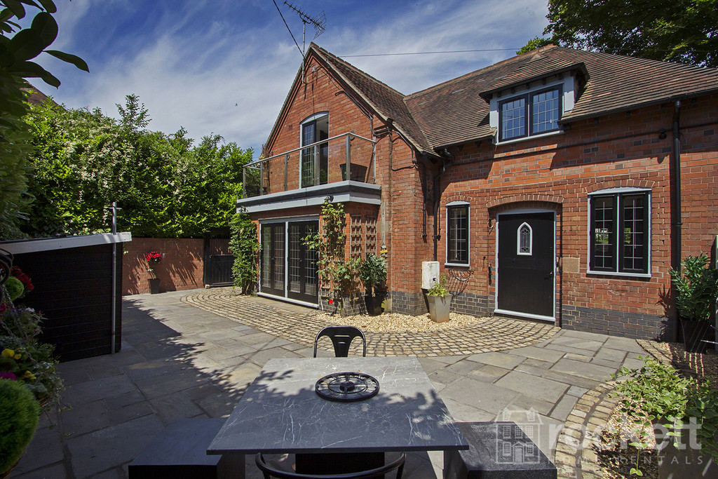 4 bed house to rent in Newcastle Under Lyme  - Property Image 62
