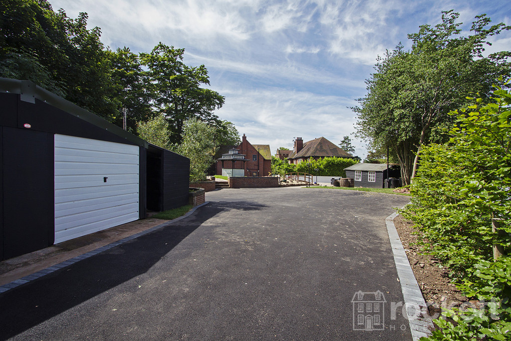 4 bed house to rent in Newcastle Under Lyme  - Property Image 66