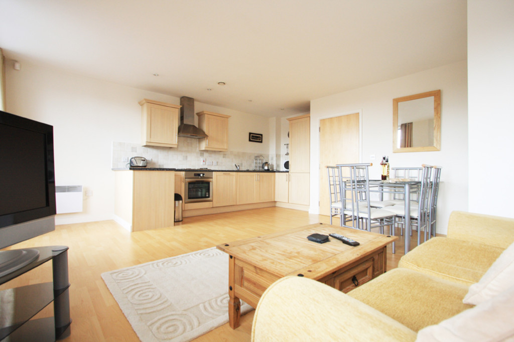 2 bed flat to rent in Newcastle-Under-Lyme  - Property Image 4