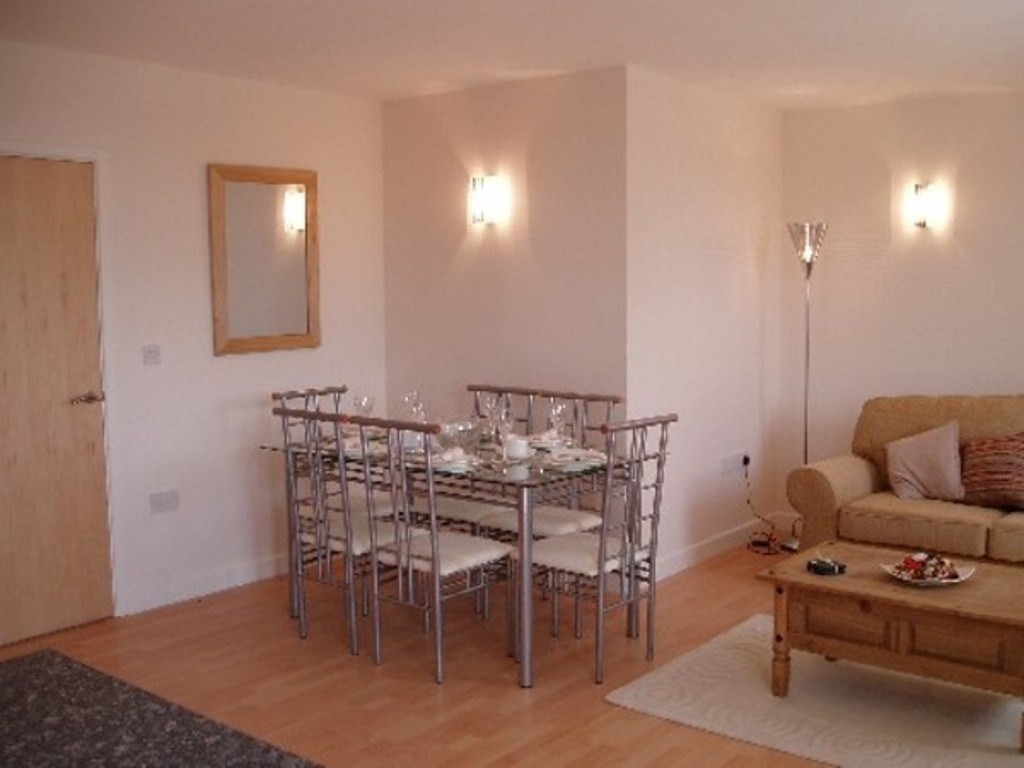 2 bed flat to rent in Newcastle-Under-Lyme  - Property Image 7