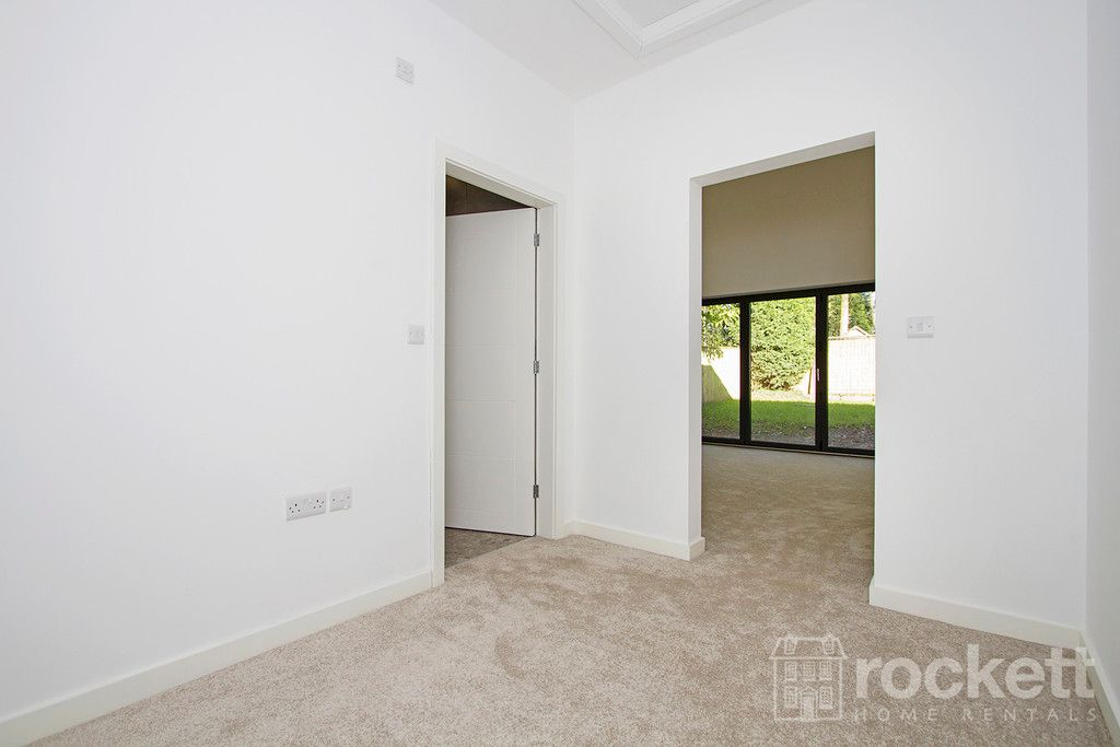 3 bed bungalow to rent in Newcastle Under Lyme  - Property Image 34