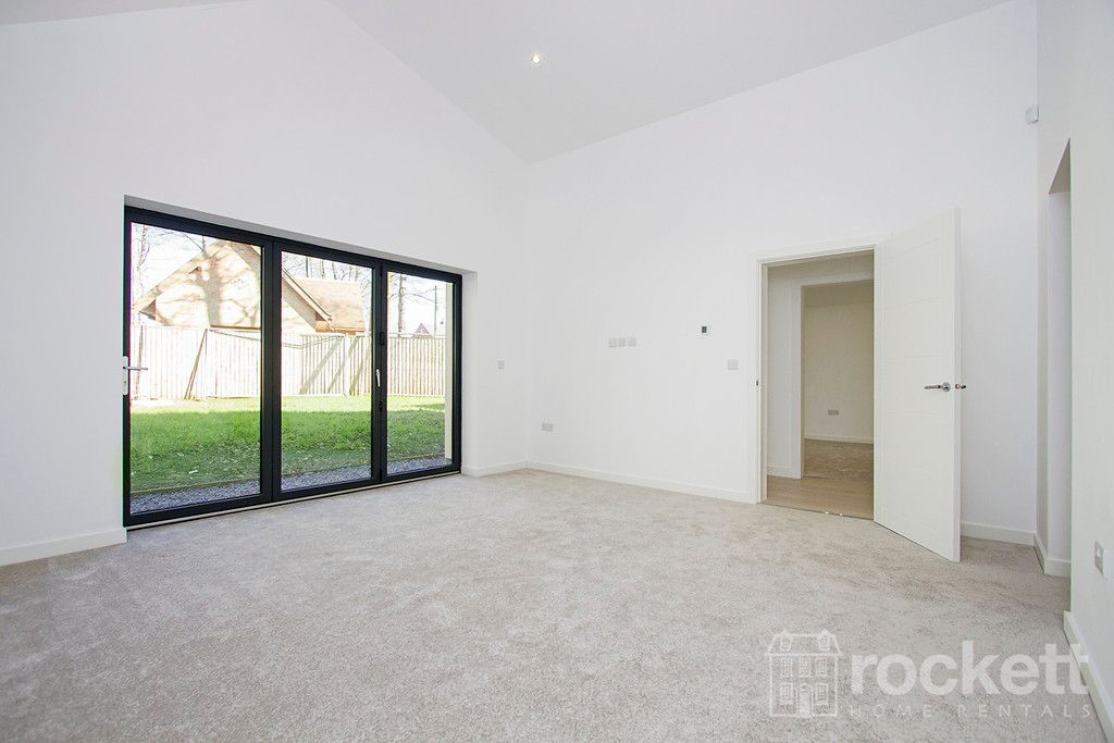 3 bed bungalow to rent in Newcastle Under Lyme  - Property Image 41