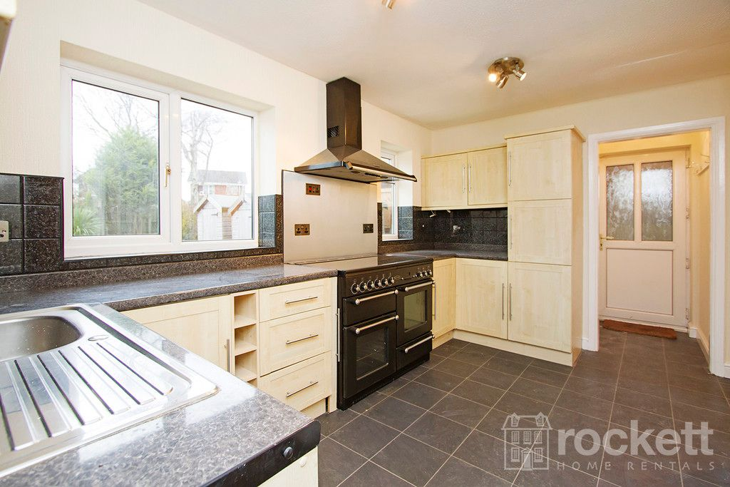 4 bed house to rent in Newcastle Under Lyme  - Property Image 11