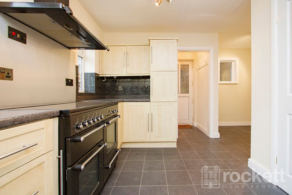 4 bed house to rent in Newcastle Under Lyme  - Property Image 12
