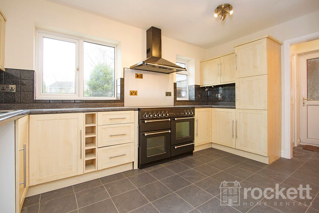 4 bed house to rent in Newcastle Under Lyme  - Property Image 14