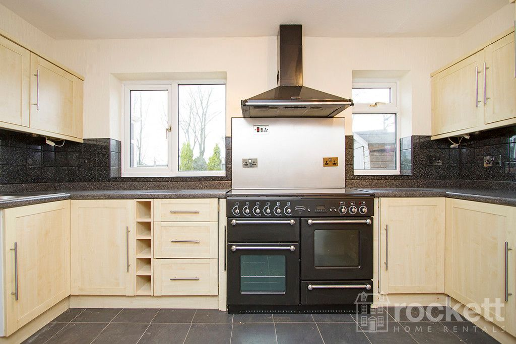 4 bed house to rent in Newcastle Under Lyme  - Property Image 15
