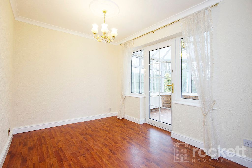 4 bed house to rent in Newcastle Under Lyme  - Property Image 18