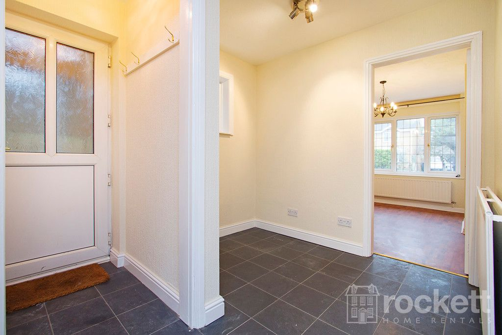 4 bed house to rent in Newcastle Under Lyme  - Property Image 9