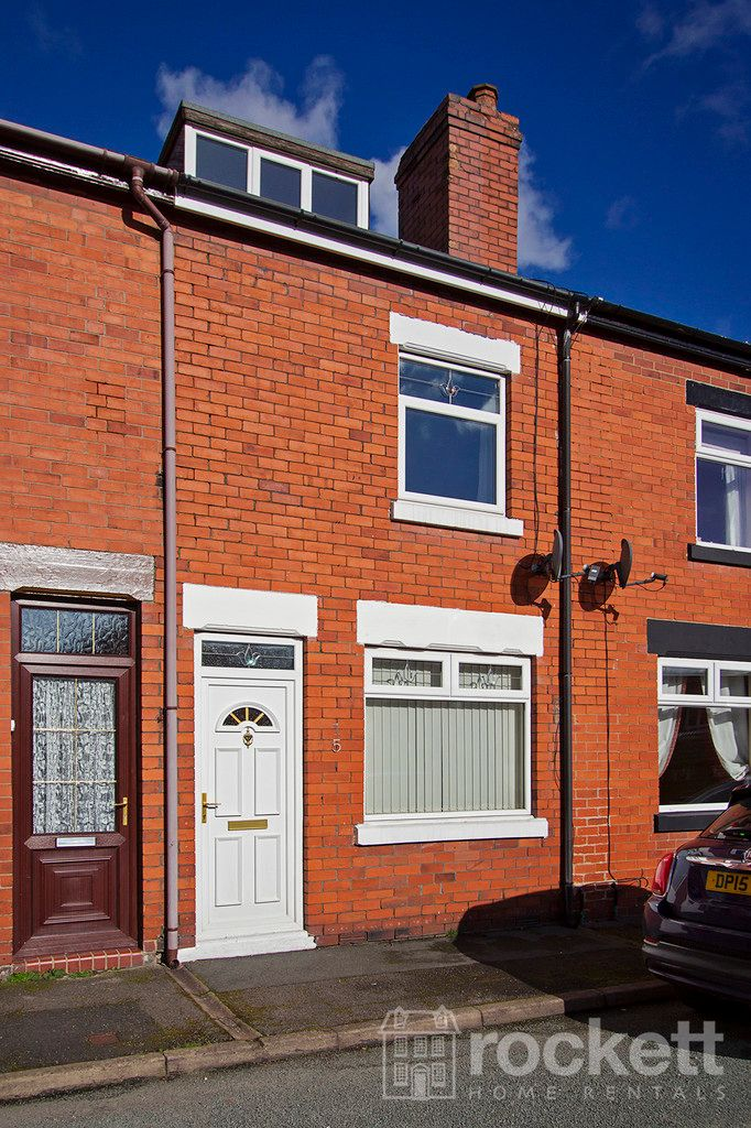2 bed House to rent in May Street, Silverdale, ST5