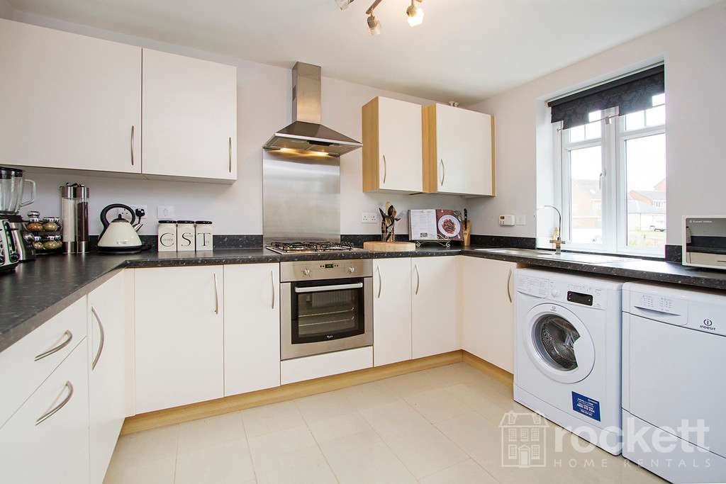 3 bed house to rent in Newcastle Under Lyme  - Property Image 9