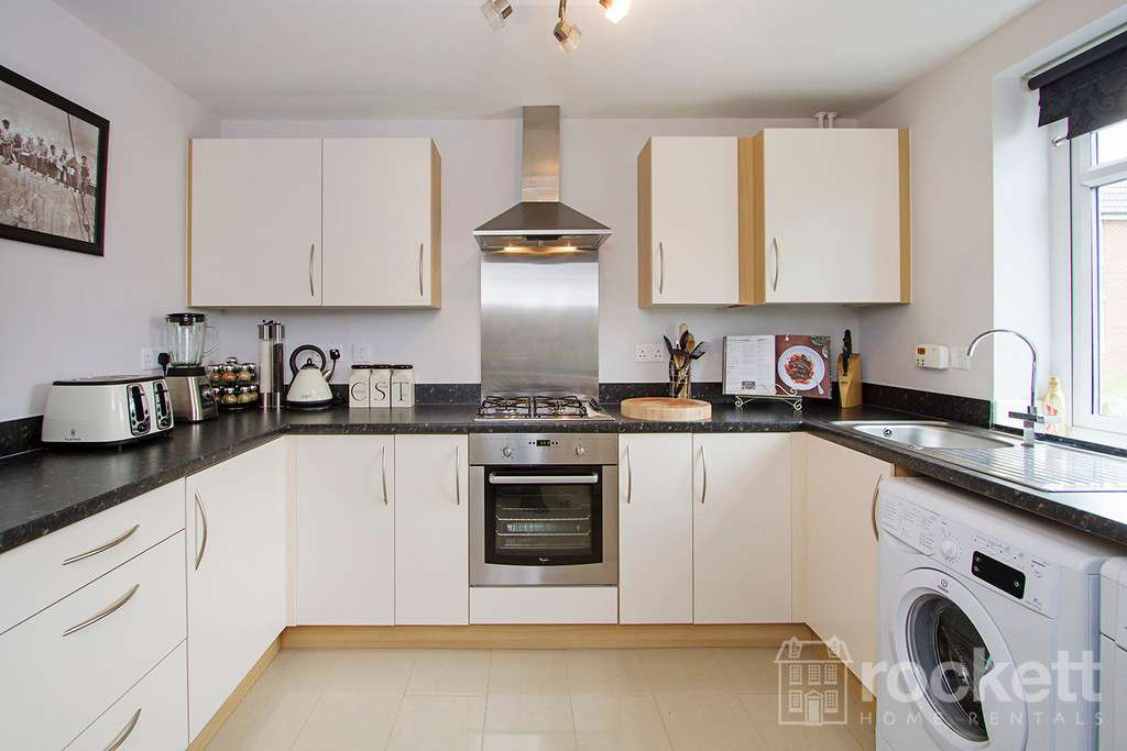 3 bed house to rent in Newcastle Under Lyme  - Property Image 10