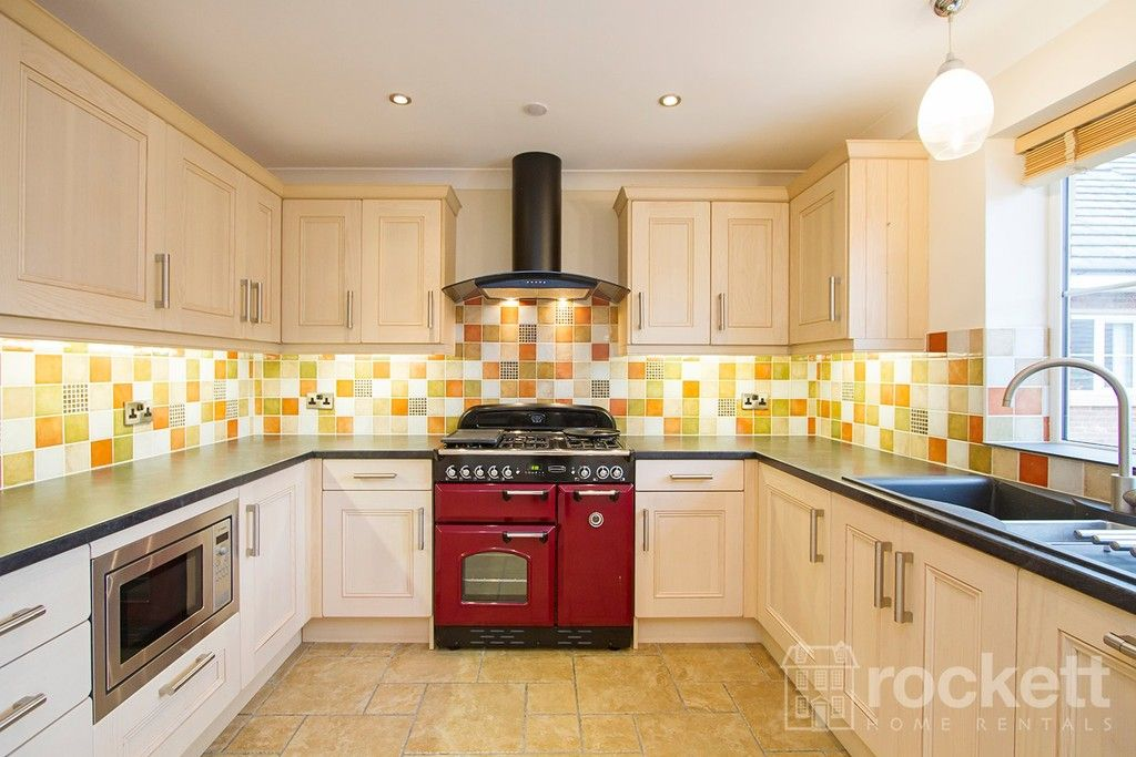2 bed flat to rent in Kingsley Hall, Lymewood Close  - Property Image 3