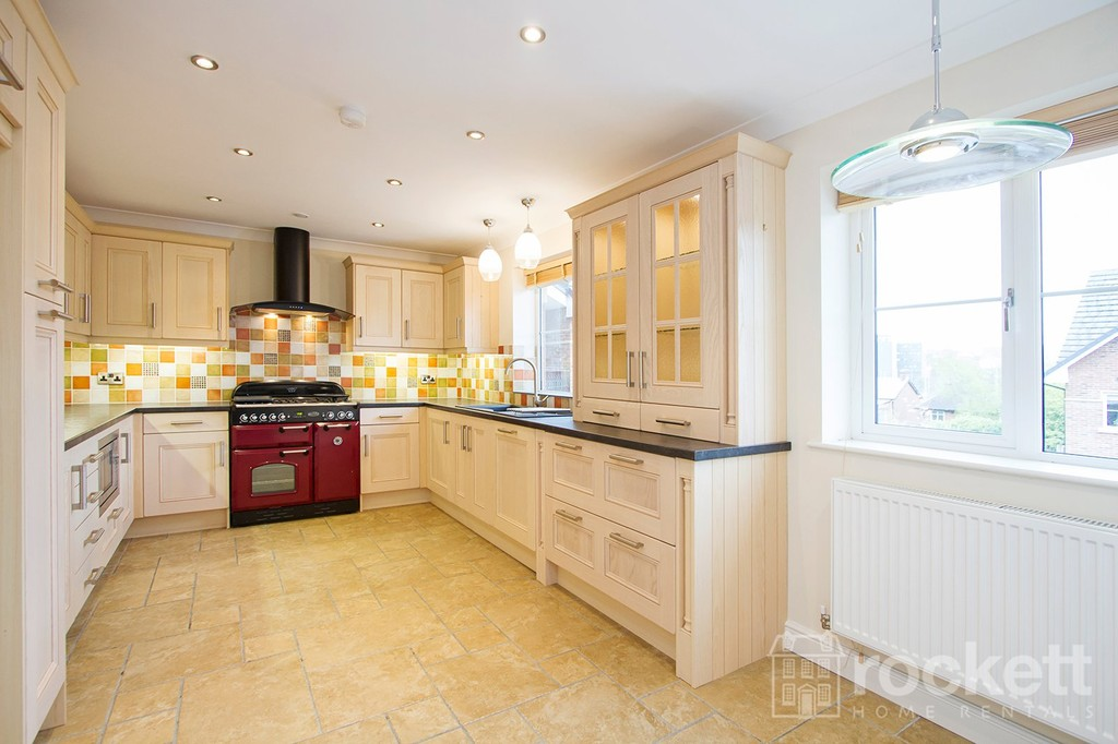 2 bed flat to rent in Kingsley Hall, Lymewood Close  - Property Image 4