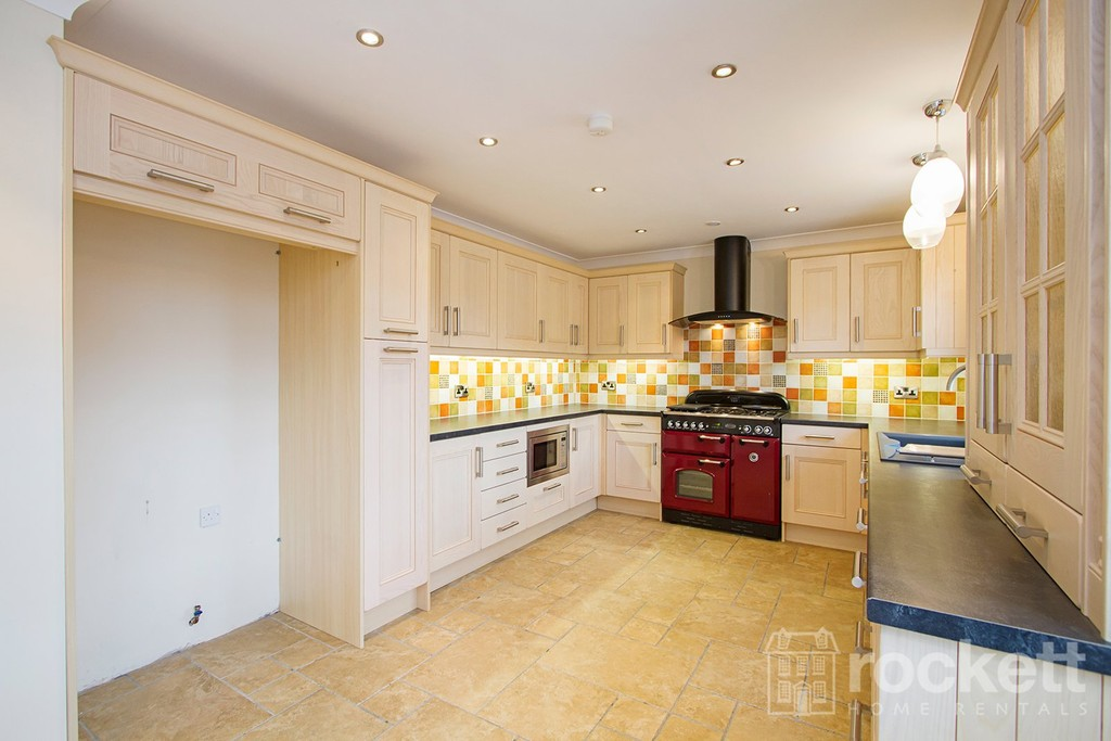 2 bed flat to rent in Kingsley Hall, Lymewood Close  - Property Image 5