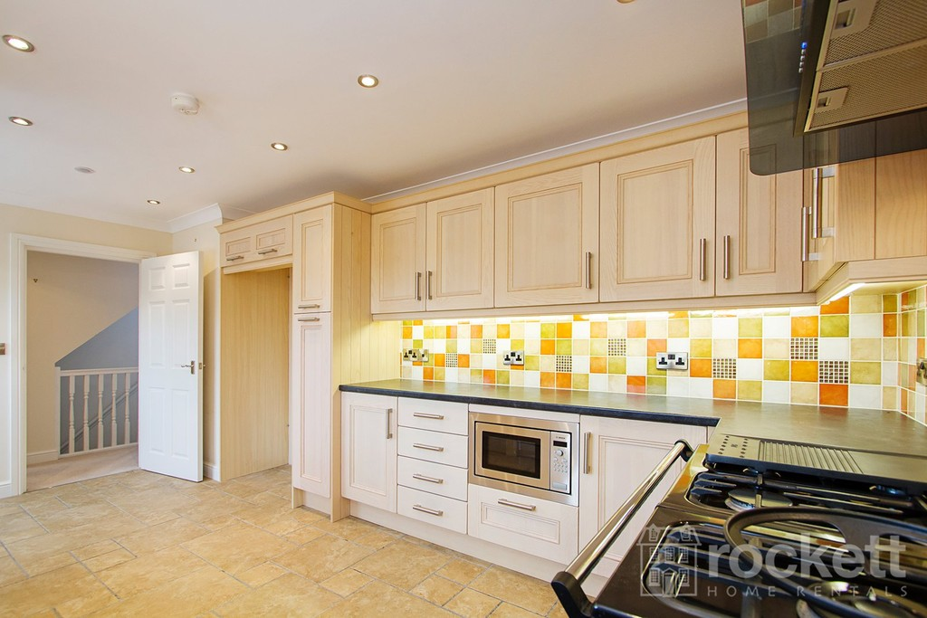 2 bed flat to rent in Kingsley Hall, Lymewood Close  - Property Image 6