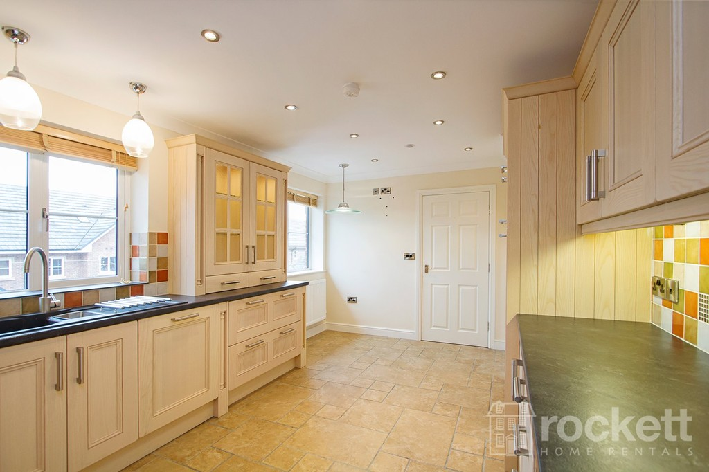 2 bed flat to rent in Kingsley Hall, Lymewood Close  - Property Image 7