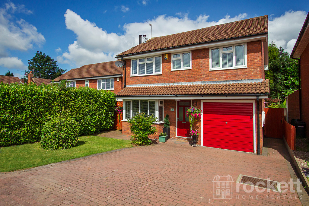 5 bed House to rent in Denton Close, Westbury Park, ST5