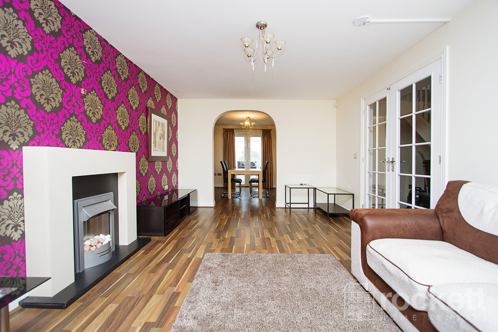 5 bed house to rent in Galingale View, Newcastle Under Lyme  - Property Image 2