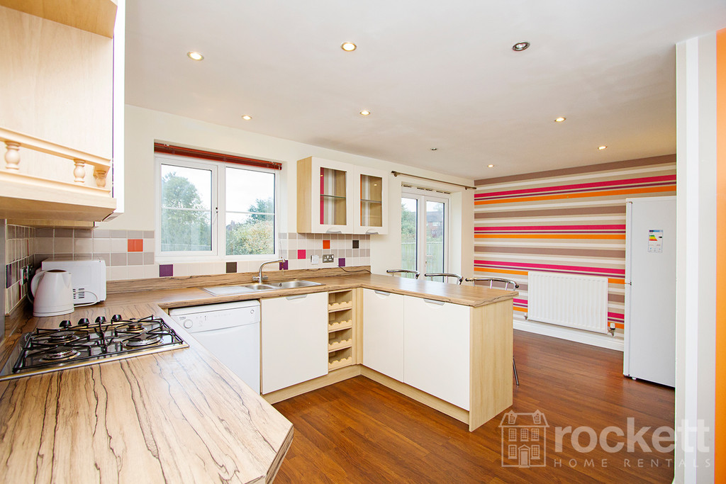 5 bed house to rent in Galingale View, Newcastle Under Lyme  - Property Image 12