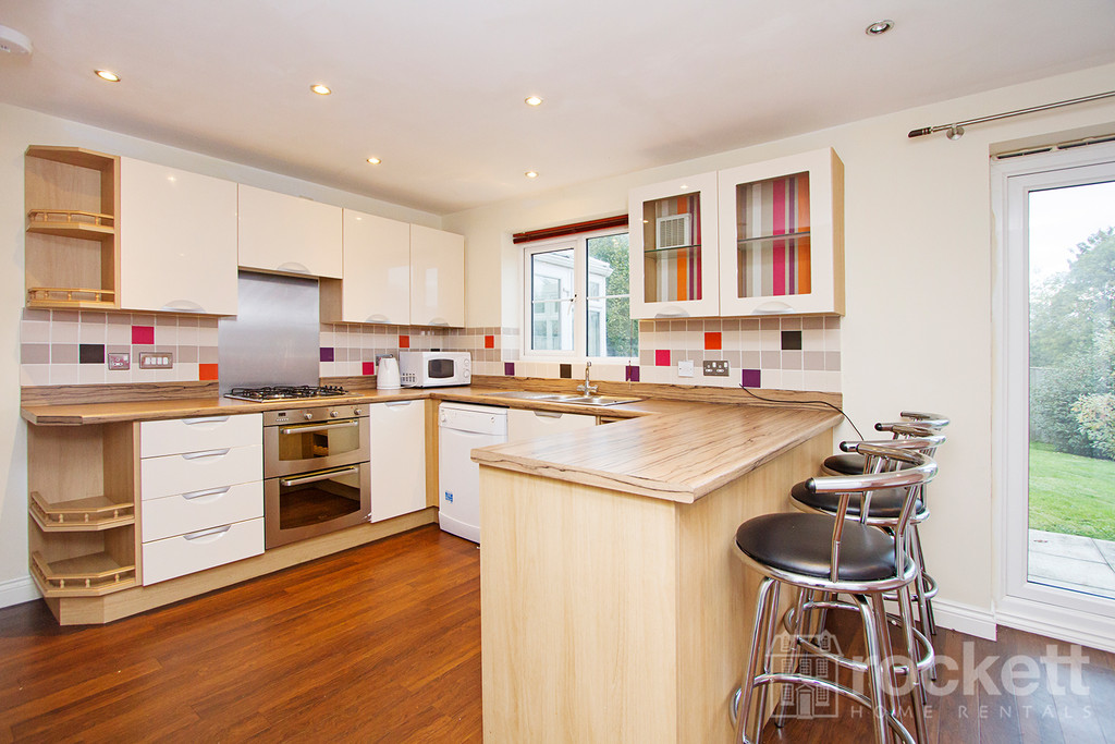5 bed house to rent in Galingale View, Newcastle Under Lyme  - Property Image 13