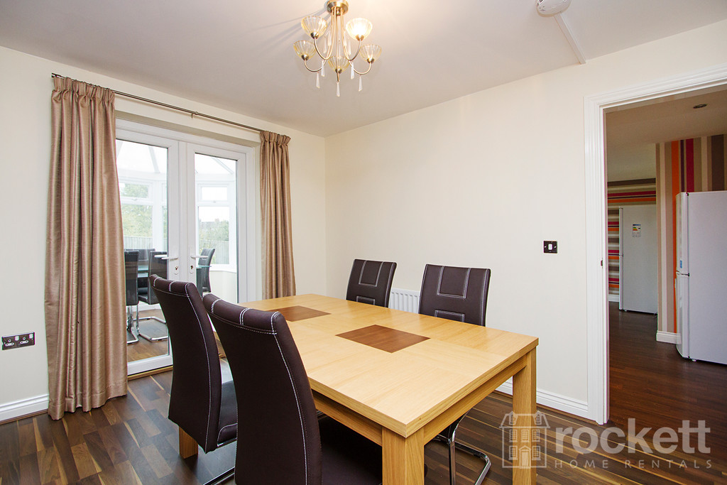 5 bed house to rent in Galingale View, Newcastle Under Lyme  - Property Image 8