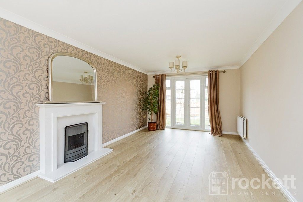 5 bed house to rent in Wychwood Village, Weston  - Property Image 13